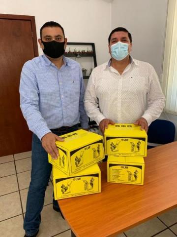Presidente Ameca y Director Director reciben Apoyo